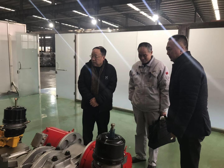 新东风锻造有限公司总经理高瑞朝一行莅临精密公司考察工作